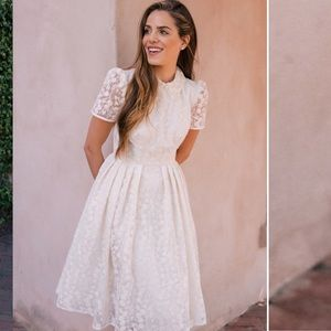 Gal Meets Glam // Amelia Fit and Flare Lace Dress